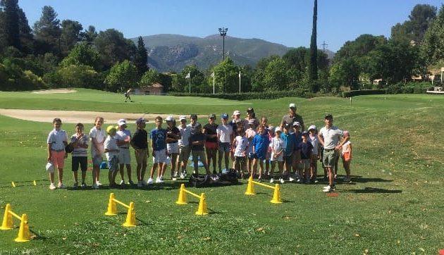 Stages de golf junior durant les vacances scolaires