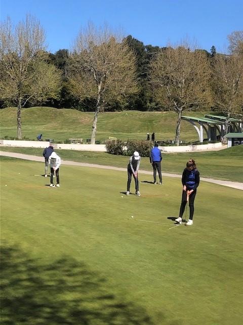 stages de golf junior pendant les vacances scolaires Golf Bastide de la Salette